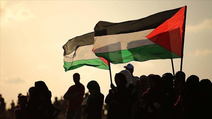 32 settlers break into Al-Aqsa mosque